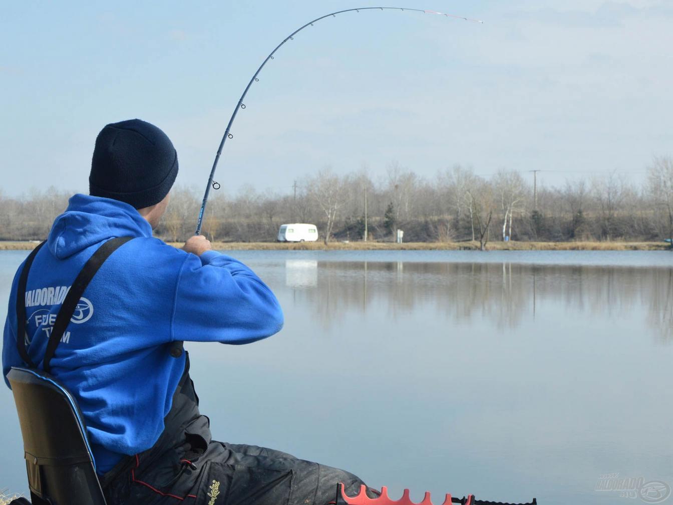 rybárske pletené šnúry na feeder